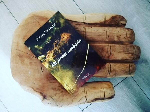 LA PEAU AMBREE de Pierre SAUVEUR - Livrement-Ka