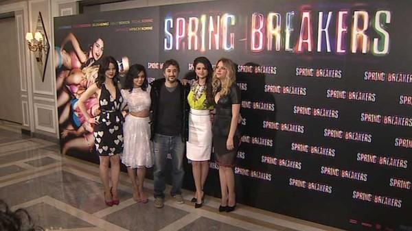 Chicas de la factoría Disney, ahora en su nueva película 'Spring Breakers', Telediario - RTVE.es A la Carta