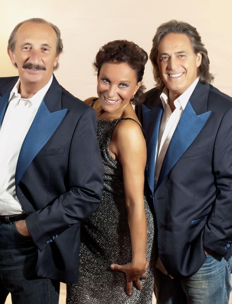 STAR PEOPLE CROWN: RICCHI E POVERI SINGER ITALIANI