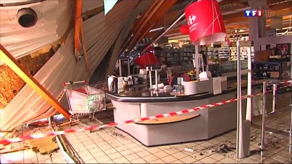 Le journal de 13h - Intempéries dans le Morbihan : le toit d'un supermarché s'effondre