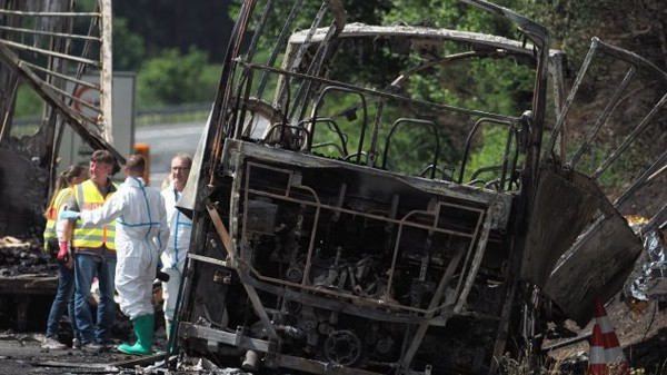 18morts dans une collision entre un camion et un autocar enAllemagne