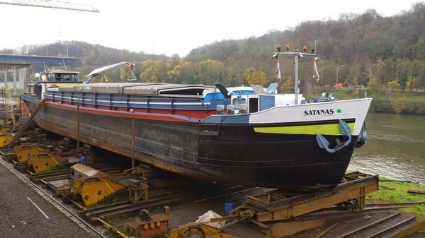 Réparation et entretien de péniches et bateaux - Chantier naval Meusam