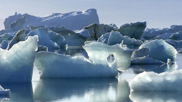 """""""Ça fait peur"""": des chercheurs ont calculé la fonte des glaces au Groenland depuis 1972"""