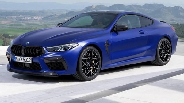 BMW M8 2020 Coupe et cabriolet - Elle offre jusqu'à 617 chevaux.