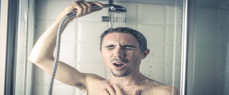6 bonnes raisons de prendre une douche froide le matin