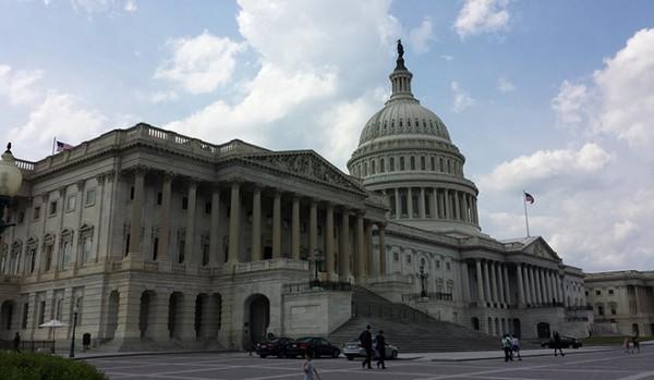 Le Congrès des Etats-Unis adopte une résolution digne d'une « nouvelle » Guerre froide