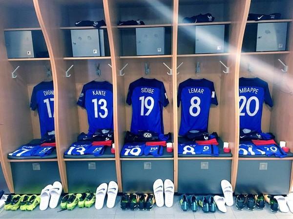 Instagram post by Equipe de France de Football • Sep 3, 2017 at 5:49pm UTC