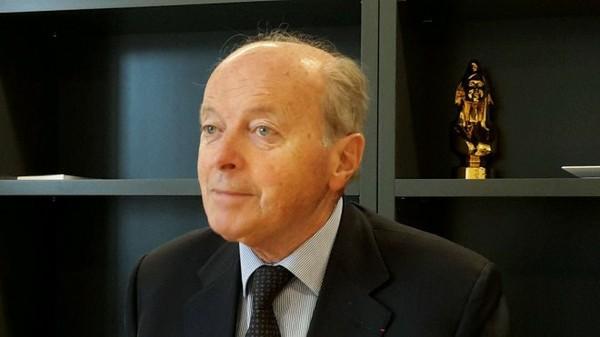 Le défenseur des droits Jacques Toubon dénonce fermement l'expulsion des familles de Comoriens à Mayotte - outre-mer 1ère
