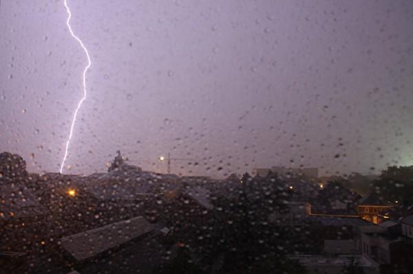 Des orages prévus cette nuit, avant une grosse chute des températures