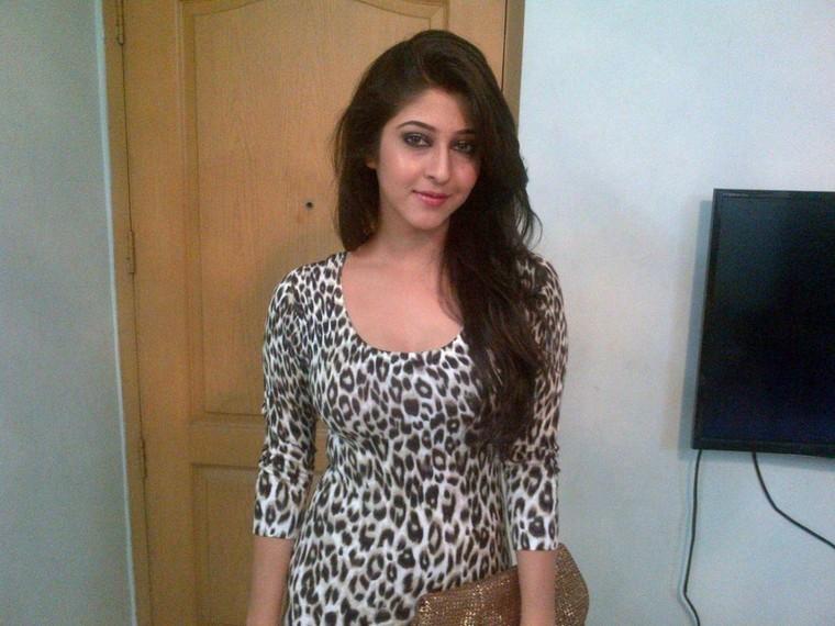 Naina Verma — High Profile Kolkata Call Girls at 8420161559 -...