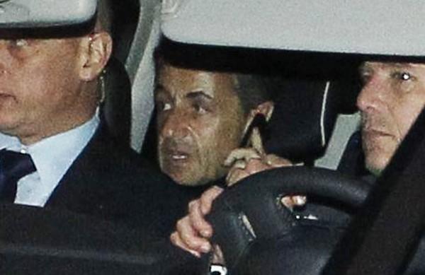 Affaire Bettencourt: pour sa défense, Nicolas Sarkozy passe à l'attaque