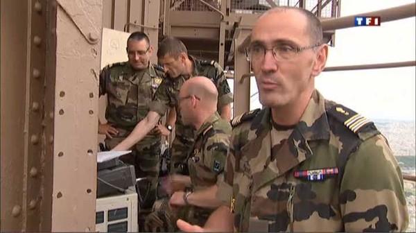 Le Journal du week-end - Comment l'armée a sauvé la Tour Eiffel