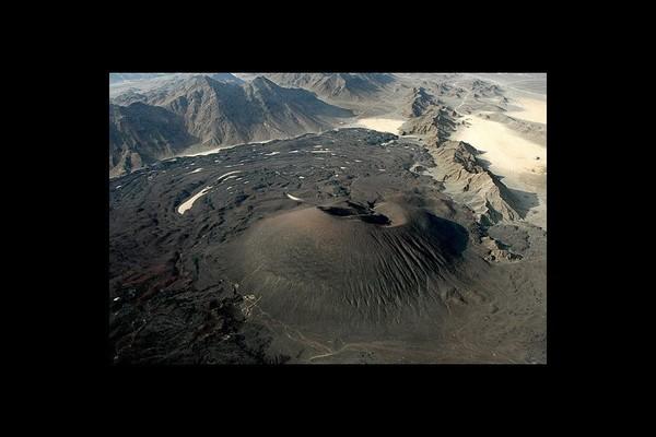 Ancient volcanic field reawakens in Saudi Arabia