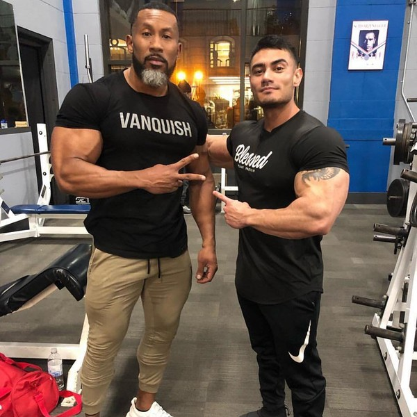 "IFBB PRO Jeremy Potvin on Instagram: ""Taking it back to the Arnold. Got the first workout in with @ajellison while there. Thought it was gonna be arms, turned out to be legs 😂."""