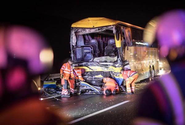 Accident d'un autocar belge: le 2e chauffeur toujours hospitalisé