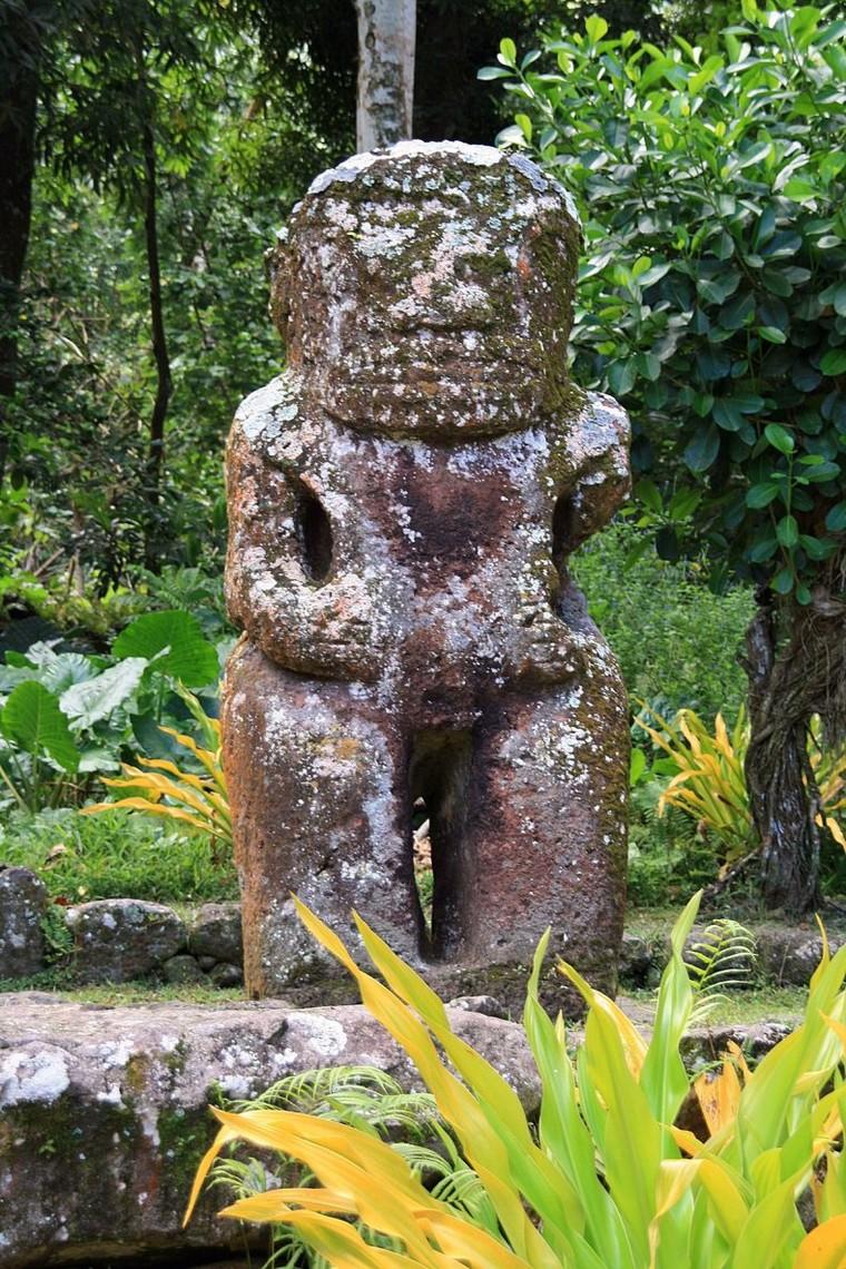 Histoire de l'île de Pâques — Wikipédia