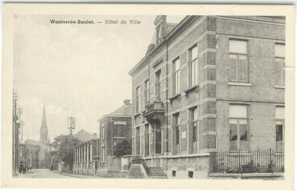 Wanfercée Baulet - Hotel de Ville - Carte postale ancienne et vue d'Hier et Aujourd'hui