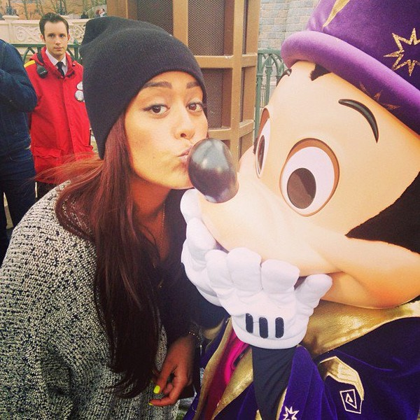 ".@inst_amel | My ""nose kiss"" to Mickey ..."