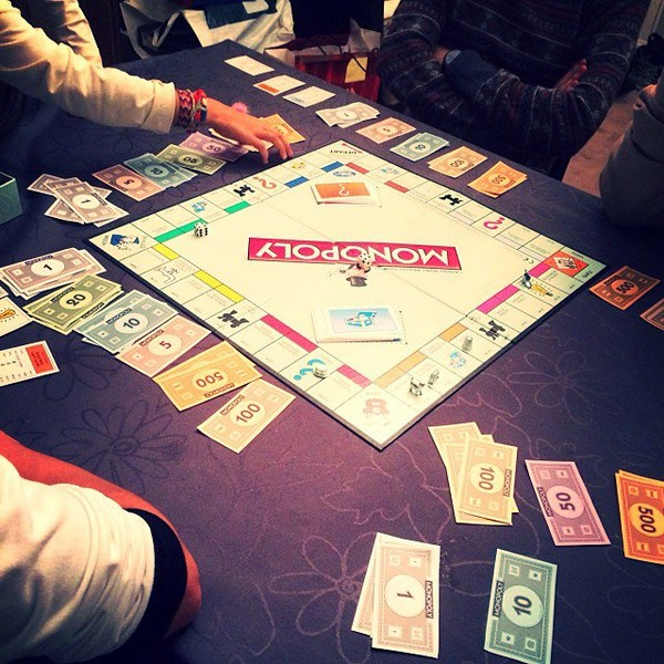 .@alizeeofficiel   Monopoly party ️ @gregoirelyonnet @jotagada @guillaume0401