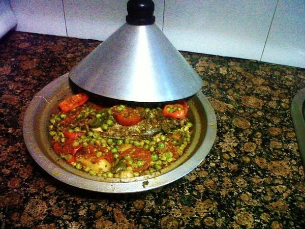 VLOG 04 - How To cook Moroccan Tajin تحضير طاجين مغربي