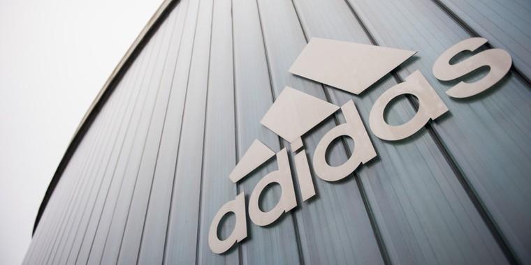 Adidas protège dans leur contrat les sportifs qui font leur coming out