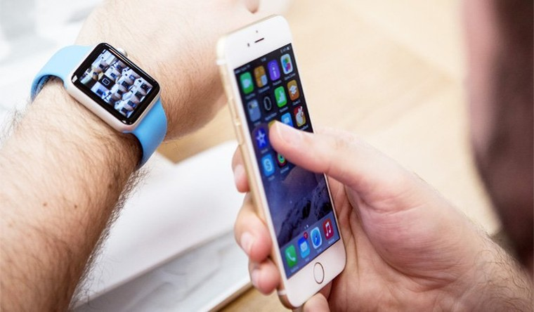 Growing Demand for iPhone Applications for Wearables - CrowdReviews.com Blog