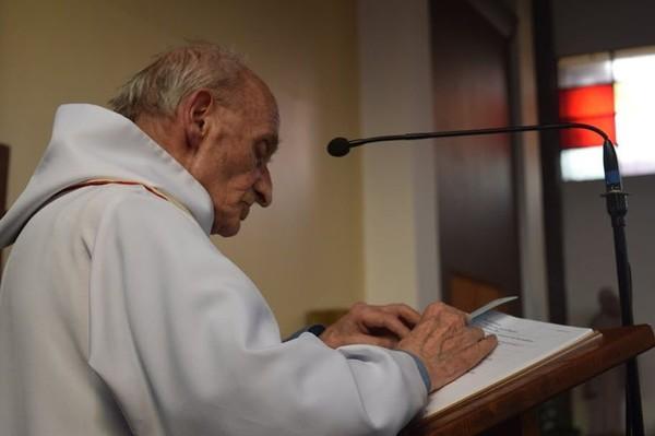 Qui était le père Jacques Hamel égorgé dans son église près de Rouen ?