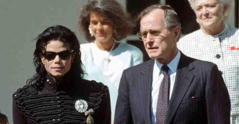 Les notes manuscrites de Michael Jackson découvertes : Preuve définitive, il a été assassiné – On sait ce qu'on veut qu'on sache