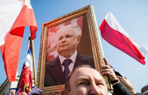Pologne: cinq ans après la crash à Smolensk, les interrogations persistent - PoliticoMag.com