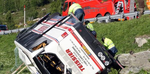 Hautes-Pyrénées : un accident de car fait une douzaine de blessés