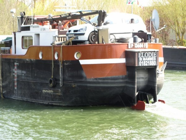 ELODIE et sa barge ALEXIS..............MAROLLES..........AVRIL 2013