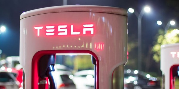 Tesla loses another $675 million in Q4, its biggest quarterly loss yet