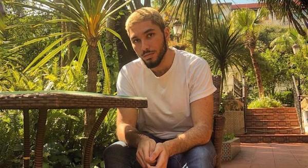 """""""En Algérie, tenir la main de son mec dans la rue c'est presque du suicide"""" - TÊTU"""