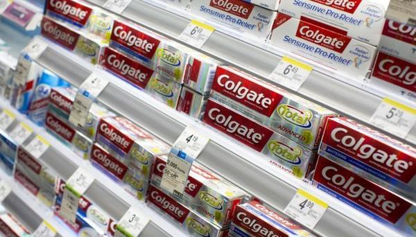 Les dentifrices et gels douche sont des produits chimiques : comment écarter le danger
