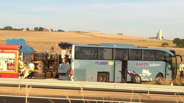 Accident de bus sur l'A4 dans l'Aisne : le conducteur du camion mis en examen