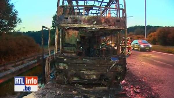 Un car de jeunes belges prend feu à Sprimont