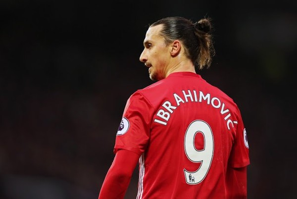 Released Man Utd striker Ibrahimovic promises fans 'huge news' - Daily Soccer News