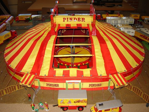 Maquette du cirque PINDER