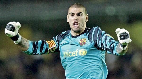 Valdés, le mythique gardien du Barça, quitte Manchester United pour... le Standard !