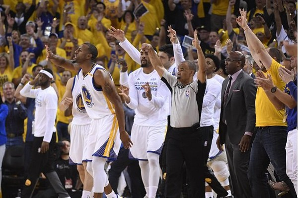 Warriors Permalukan Cavs di Game 1 | Berita Olahraga Terkini