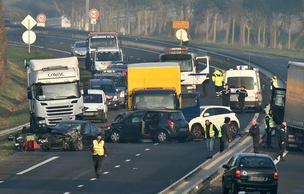 EN DIRECT. Accident en Vendée: «Les gens roulaient trop vite» selon un témoin de la scène