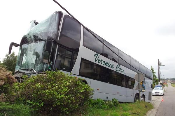 Drie leerlingen Kortenbergse basisschool De Regenboog lichtgewond bij busongeval