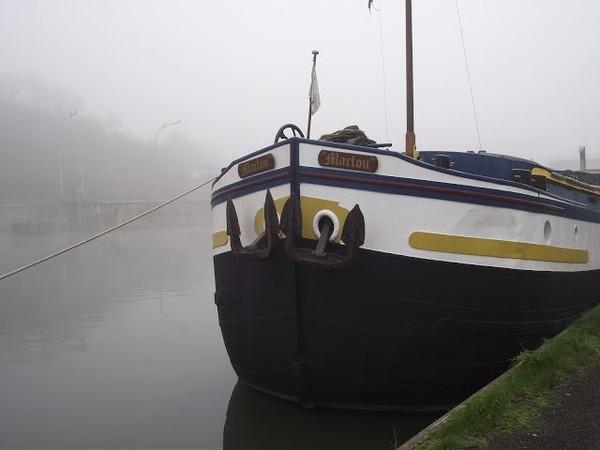 Mes parcours des voies d'eau par Pierre Lemoine: Brouillard