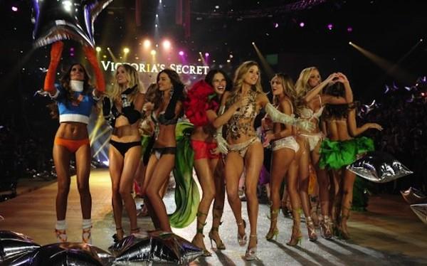 Vidéo complète du Victoria's Secret Fashion Show 2012