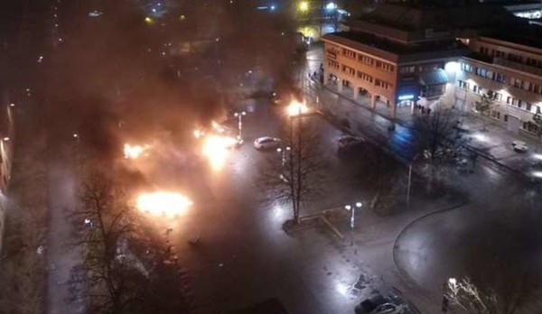 Suède : Trump avait raison, le quartier musulman de la capitale suédoise en proie à des émeutes (vidéo)
