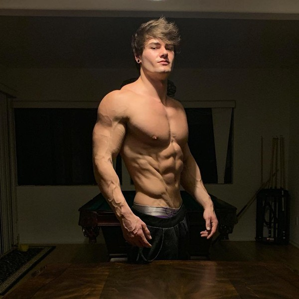 """Jeff Seid on Instagram: """"Current physique after doing a mini shred. Trying to get lean for India next week lmao #hangry"""""""