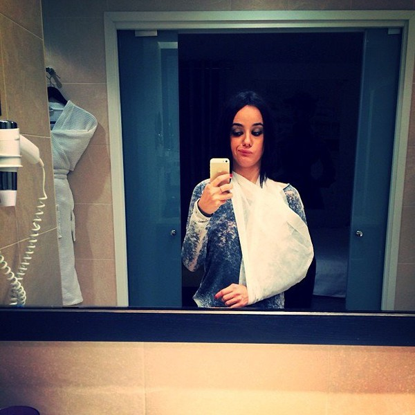 .@alizeeofficiel | Marseille vous etiez parfaits !️ après la tendinite ,une élongation pour moi ... | Webstagram