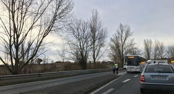 Un jeune de 19 ans, pompier et gendarme volontaire, décède dans une collision avec un bus scolaire