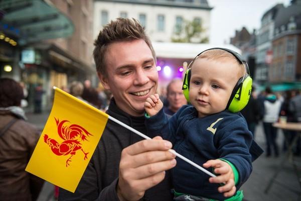 PHOTOS | Fêtes de Wallonie 2015: les Wallos au rythme du pèkèt et de la musique