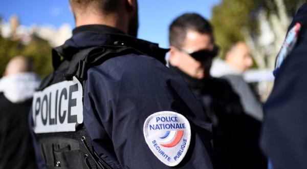 Un policier visé par une plainte après avoir confondu un témoin avec un rencard - TÊTU
